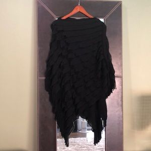 Accessories - Black poncho